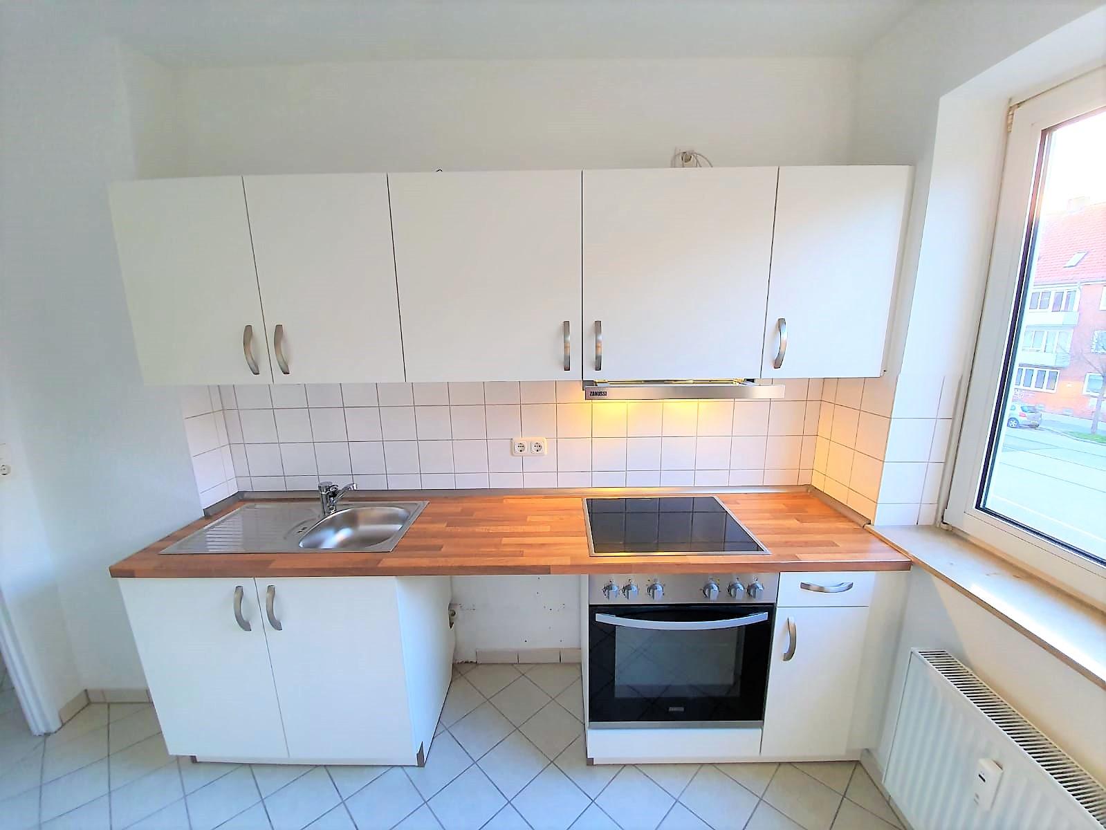 Neu renovierte schöne 3-Zimmer-Wohnung in Kiel-Ellerbek